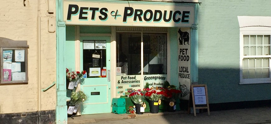 PRICE REDUCED - Pet Shop Accommodation In Lincolnshire